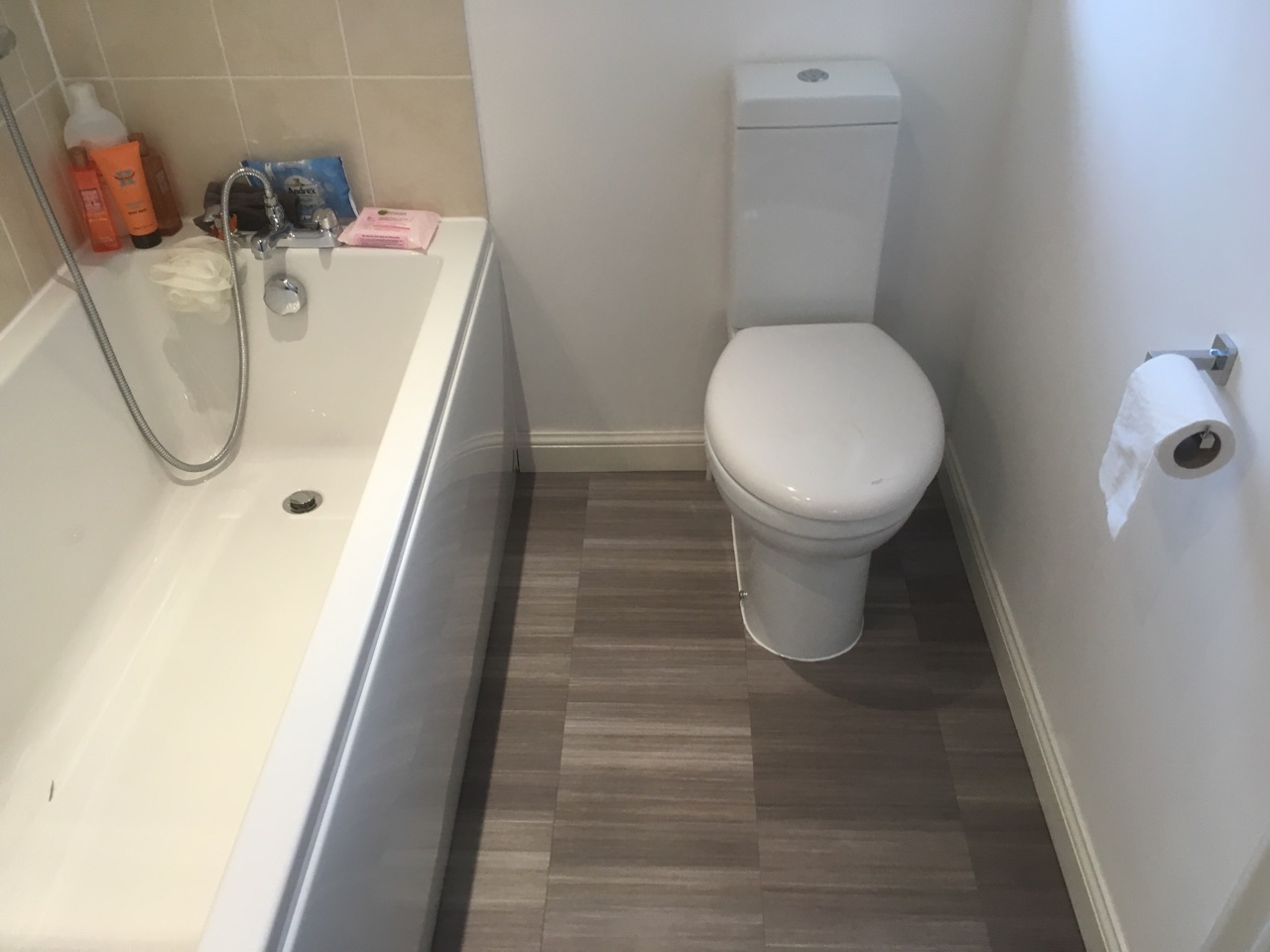 Amtico Spacia vinyl tile in bathroom