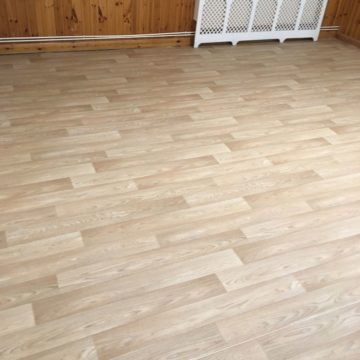 Safety flooring in wood effect