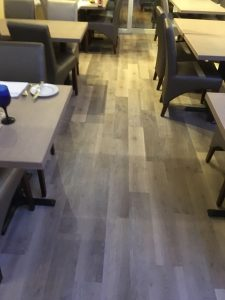 Wood effect Karndean Knight Tile Mid Worn Oak