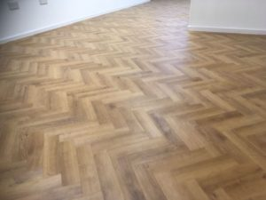 Vusta wood effect parquet vinyl tile